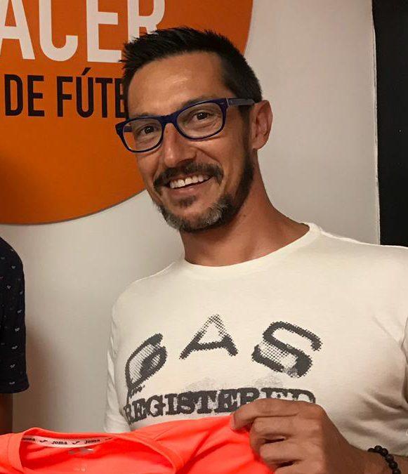 «Juanky» se marcha a Japón con Andrés Iniesta.